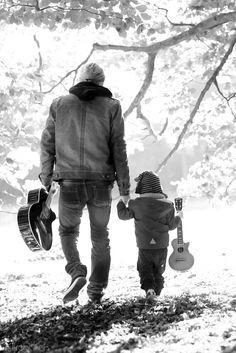 La festa del papà. Il ruolo paterno nella società di oggi.